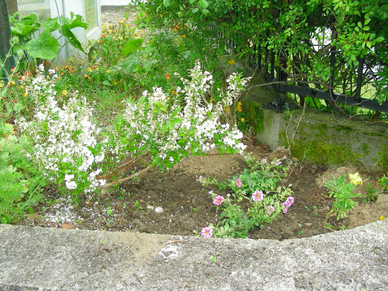 Fleurissement samedi 14 mai 2016