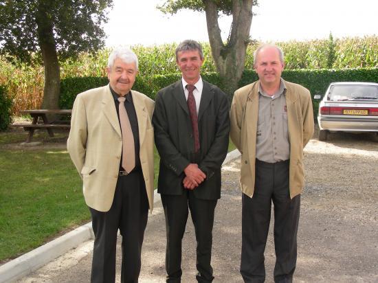 Les 3 maires du village réunis