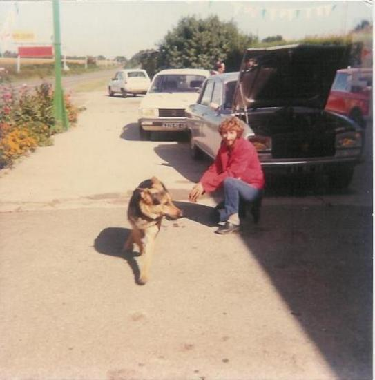 Henri devant la station en 1987