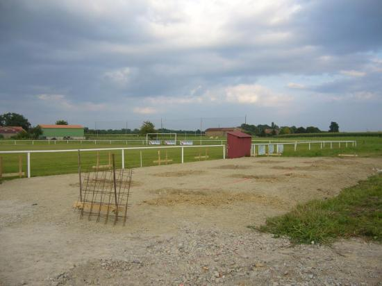 Construction tribunes juillet  2012